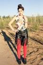 Red-tights-fringe-bebe-shorts-magazine-vintage-top