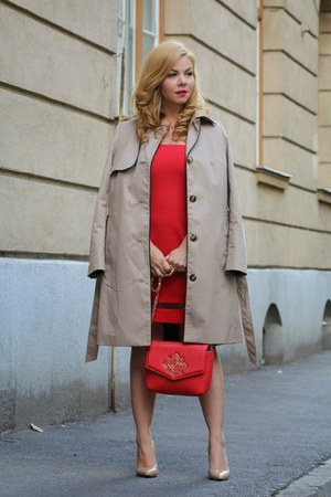 tan H&M coat