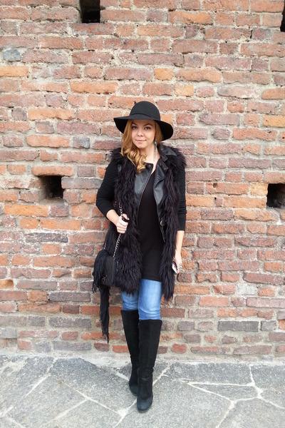 Motivi jacket - H&M hat - Motivi bag - versace vest