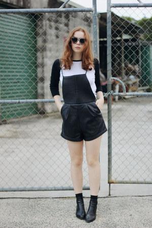 black Lipstik boots - bronze zeroUV sunglasses - white Baseball tee t-shirt