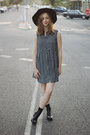 Black-ankle-boots-lipstik-boots-black-oasap-dress-black-mimi-and-flo-hat