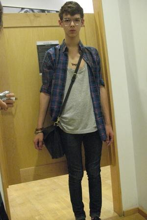 Forever21 jeans - vintage shirt - vintage glasses - Gap t-shirt
