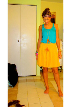 aquamarine Urban Outfitters top - yellow Forever 21 skirt