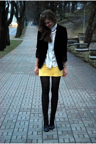 black Tamaris boots - yellow GINA TRICOT dress - black suede vintage blazer