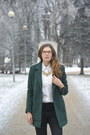 Green-style-moi-coat-black-monki-jeans-gold-style-moi-necklace