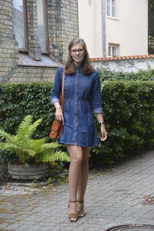 navy denim Cubus dress - dark khaki suede vagabond shoes