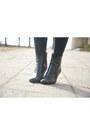 Black-tamaris-boots-tan-dorothy-perkins-dress-black-thrifted-sweater