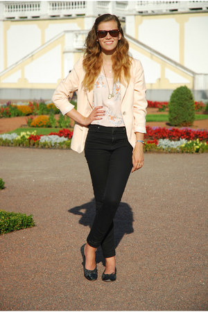 peach thrifted blazer - black Vero Moda jeans - neutral H&amp;M top