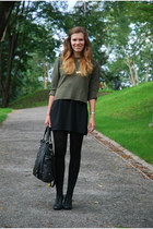 dark green thrifted sweater - black Jouni bag - gold bowtie thrifted necklace