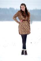 vintage dress - thrifted boots - polka-dot lindex tights - vintage belt