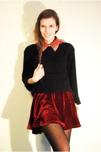 brick red velvet Chicwish skirt - black SOliver sweater