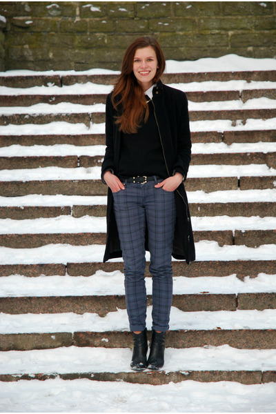 black Tamaris boots - black thrifted coat - heather gray plaid Amisu jeans