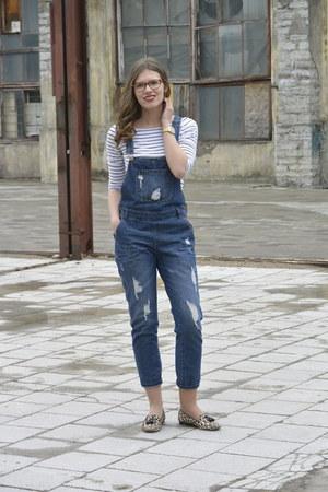 white breton H&M shirt - sky blue overalls Seppälä jeans