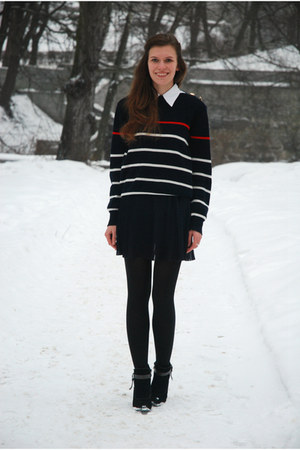 navy striped thrifted sweater - black Marco Tozzi boots