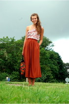 tawny thirfted skirt - carrot orange floral vintage bag