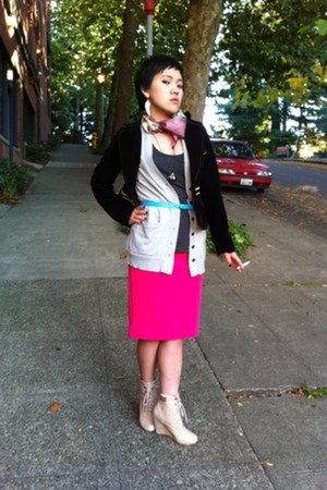 hot pink pencil skirt Yesstyle skirt - deep purple velvet thrifted blazer