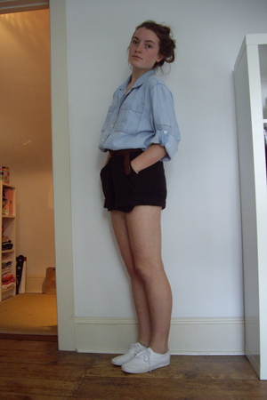 shirt - belt - shorts - Keds shoes