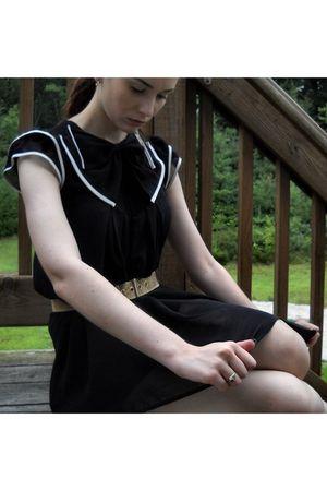 gold vintage belt - black Forever 21 dress