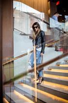 light blue distressed Topshop jeans - black lace-up asos pumps