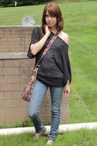 black ann taylor top - pink purse - blue Bullhead jeans - gray Ruby & Bloom shoe