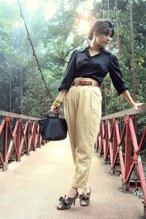 black top - beige pants