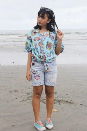 light blue cotton no brand t-shirt - aquamarine beach thrifted shirt