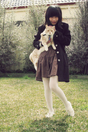 Stole it from Mum  coat - Retro Star shirt - voodoo tights - Short Haired Cat ac