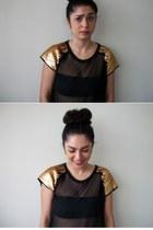 black Fun and Flirt shirt - black strapless bra