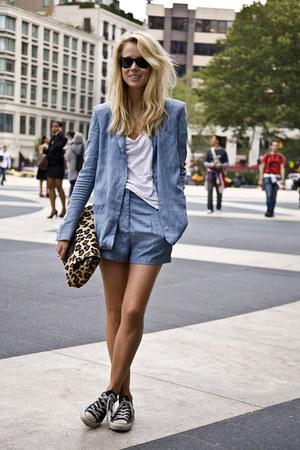 sky blue blazer - camel bag - sky blue shorts - black Converse sneakers