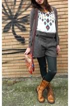 brown pull&bear coat - tawny boots - dark green tights - brick red bag