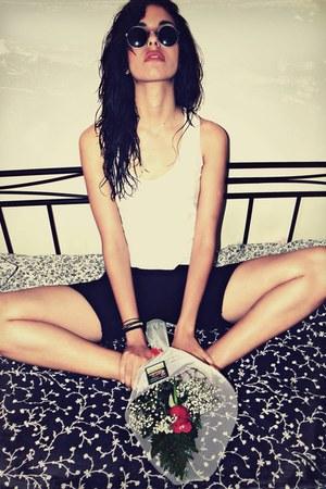 Body Action shorts - Vogue sunglasses - Massimo Dutti top