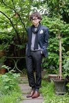 Ray Ban glasses - selfmade scarf - Muji t-shirt - H&M blazer - H&M pants - moma
