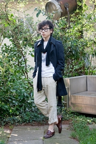 Ray Ban glasses - selfmade scarf - Insight t-shirt - Burberry coat - H&M pants -