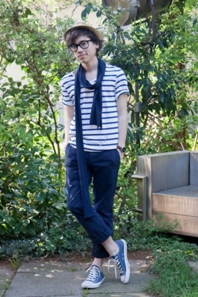 3443dbfe745d white striped H M t-shirt - blue Converse shoes - brown straw asos hat