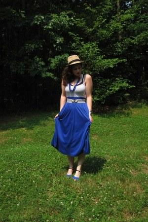 Zara heels - maxi skirt Goodwill skirt - ta ta tamer Lulu Lemon bra - white Fore