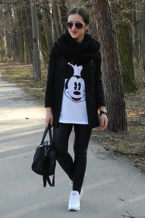 black H&M shirt - white Sinsay leggings - black H&M bag