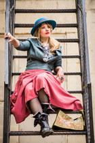 blue boater vintage hat - black Dr Martens boots