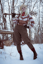 70s vintage sweater - Dr Martens boots - vintage pants