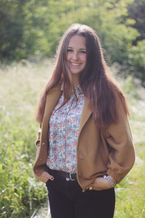 American Apparel blazer - H&M jeans - Primark blouse - Heidi Klum ring