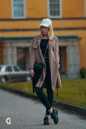 Topshop coat - Ralph Lauren hat - Zara bag - nike sneakers