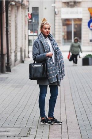 reserved coat - Zara jeans - Stradivarius scarf - Parfois bag