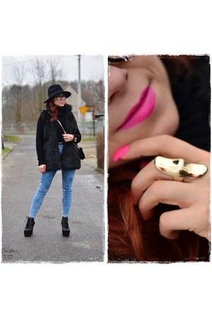 black Mohito hat - sky blue Bershka jeans - black F&F sweater - black Mohito bag