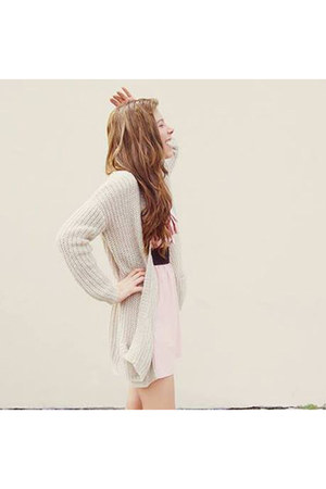 neutral Pull and Bear cardigan