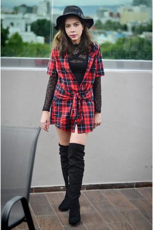 black Romwecom hat - black lace romwe top