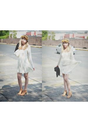 ivory romwe dress - crochet Sheinside vest