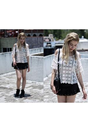 off white crochet romwe blouse - black leather asos skirt
