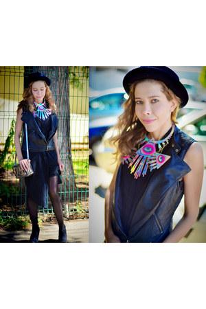 black H&M dress - black Forever 21 hat