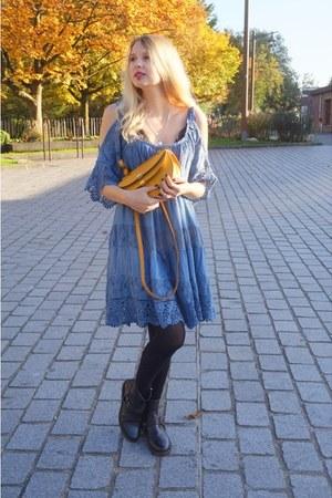 mustard Chloe bag - black Ikks boots