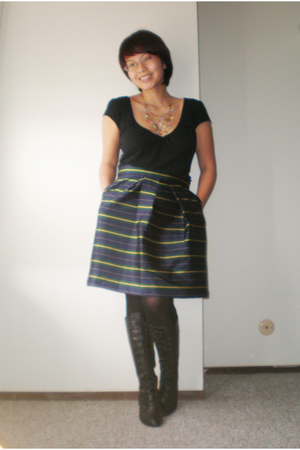 black top - green skirt - black boots - Forever 21 necklace