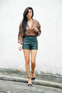 Zara-shoes-forever-21-shorts-vintage-top